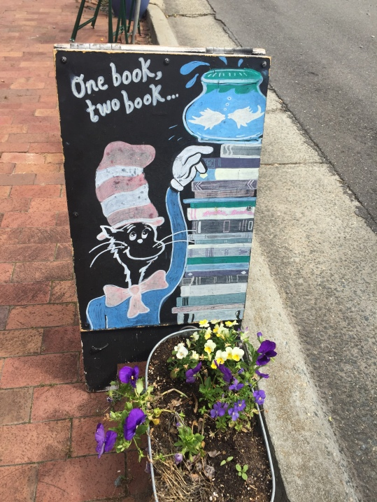 Circle Bookstore Sign