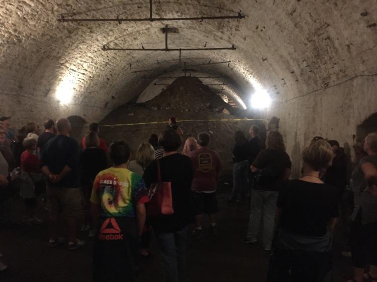 tour cave
