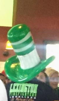 Greet hat.