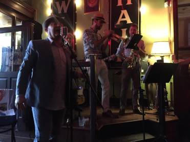 Hot Magnolias with some New Orleans creole Jazz at Japps on Main